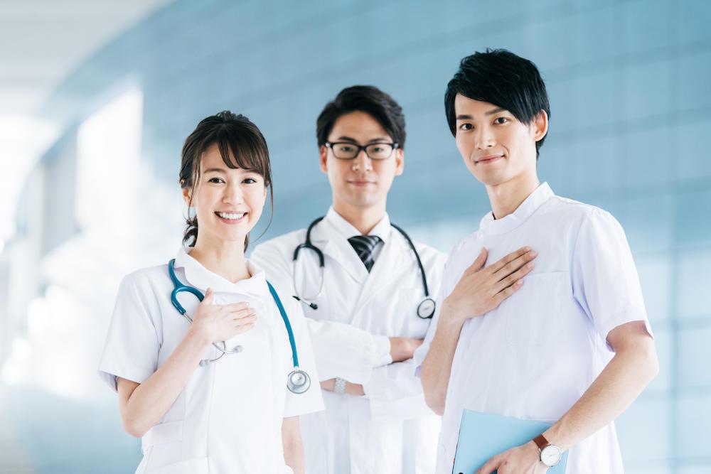 チーム医療における病院薬剤師の役割は?必須スキルや活躍事例など ...